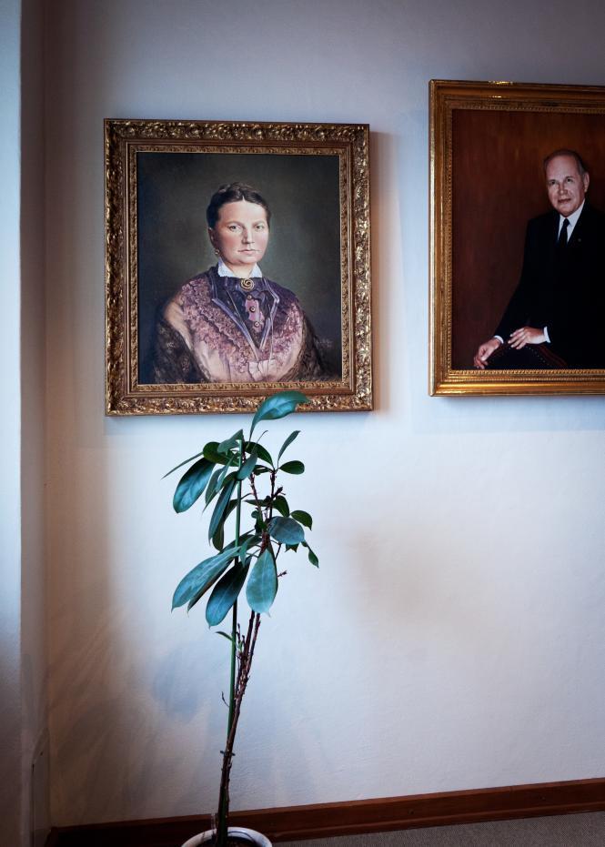 Kölln Flocken, Elmshorn, Büroraum von Prof. Dr. Driftmann, alte Familiengemälde
